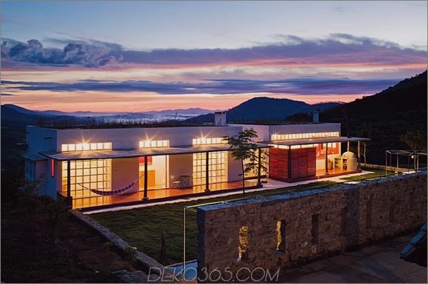 zentral gelegener Glasgang 2 struktur bauernhaus 1 aussenansicht thumb 630xauto 46500 Glasgang Links Serine Farmhouse von Brasil Arquitetura