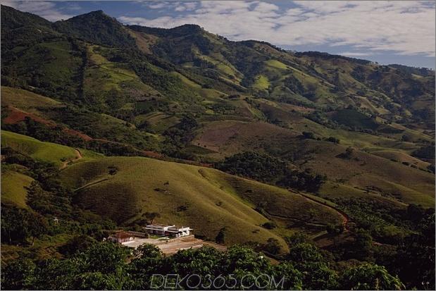 zentral gelegener Glasgang 2 Struktur Bauernhaus 2 Standort thumb 630xauto 46502 Glasgang Links Serine Farmhouse von Brasil Arquitetura