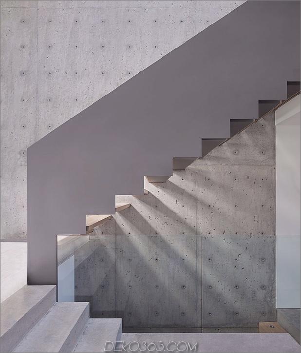 glatt-hang-haus-mit-innenausstattung-beton-12-treppen-seite.jpg