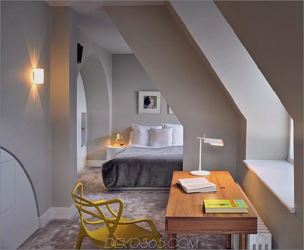 Gothic-Penthouse-wiederbelebt-mit modernen Oberflächen und Pop-of-Color-10.jpg