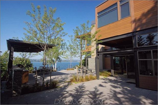 grand-glass-lake-house-with-fold-steel-frame-4.jpg