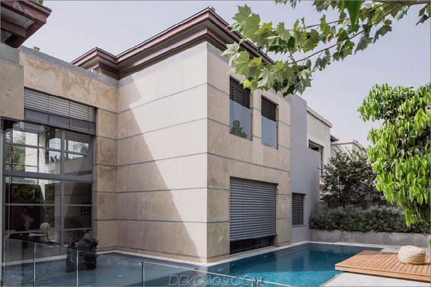 Modernistisches Gebäude mit kleinen Fensterläden 900x600 Grand Modernist House in Israel öffnet sich zum eigenen Innenhof