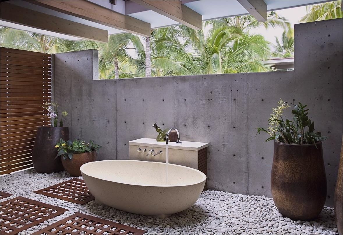 Einfache Badewanne im Freien Graue Badezimmer-Trends, die ein Muss sind