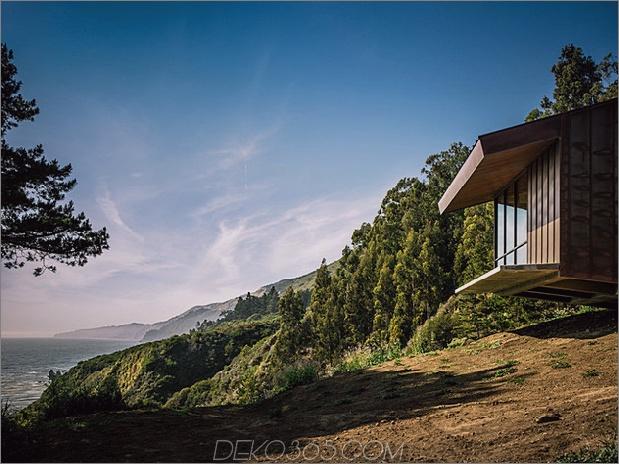 spektakuläres glas und kupferfelsenhaus in big-sur-california-3.jpg
