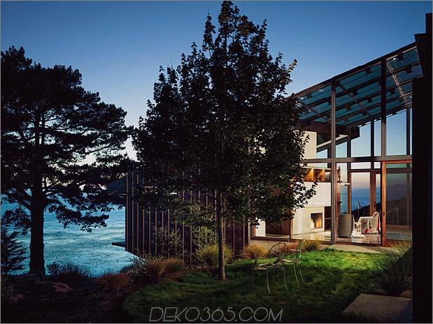 spektakuläres glas und kupferfelsenhaus in big-sur-california-16.jpg