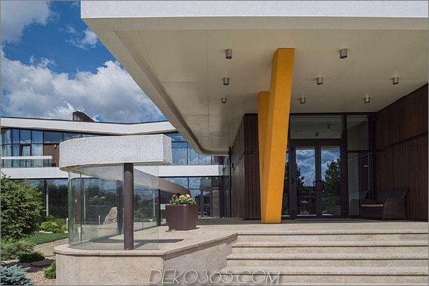 großzügiges Landhaus einzigartige Details Hallenbad 2% 20Eintrag thumb 630xauto 36158 Lavish Landhaus mit einzigartigen Details und Innenpool