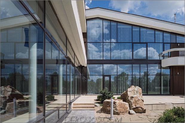 luxuriös-Landhaus-Haus-einzigartig-Details-Hallenbad-4-side-garden.jpg