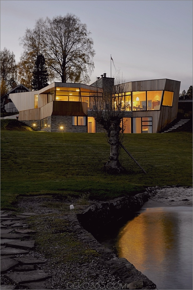 grüne dach-ozeanfront-split-level-home-hang-10-back.jpg