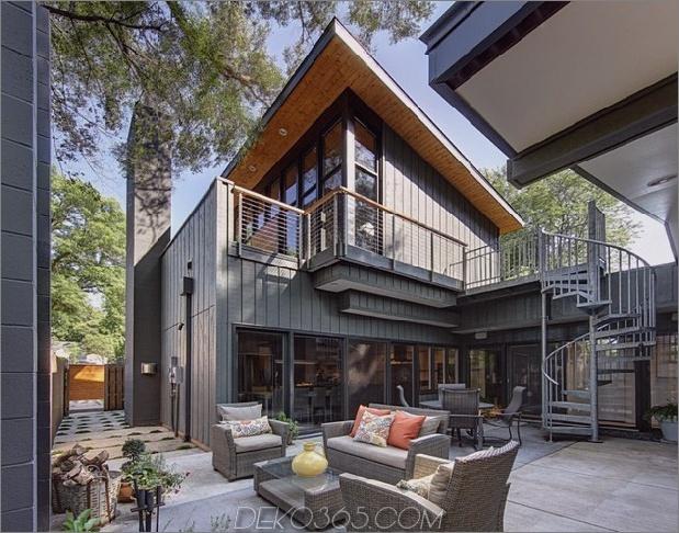 Jahrhundert-Rancher-renoviert-groß-modern-2-Geschichte-Haus-11-Hinterhof.jpg