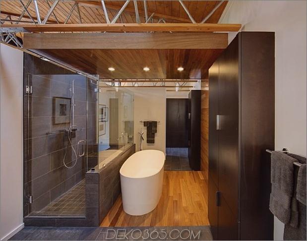 Jahrhundert-Viehzüchter-renoviert-groß-modern-2-stöckiges-Haus-15-bathroom.jpg