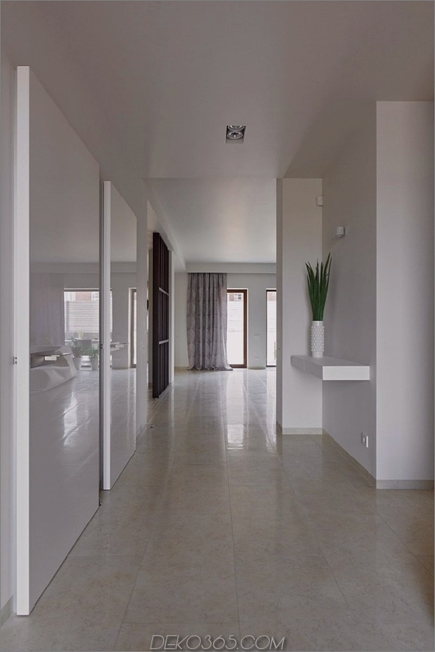 Haus am See mit modernem Design 2 thumb 630x944 31537 Haus am See mit modernem Design