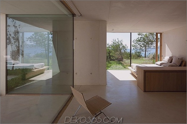 Beton-Glas-Home-Main-Level-Holz-Decke-24-Bett.jpg