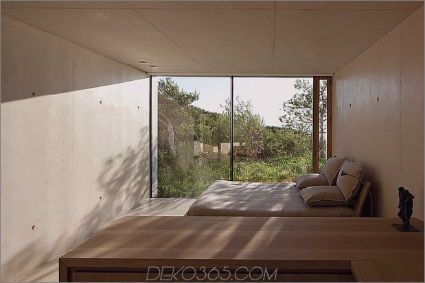 Beton-Glas-Home-Main-Level-Holz-Decke-25-Bett.jpg