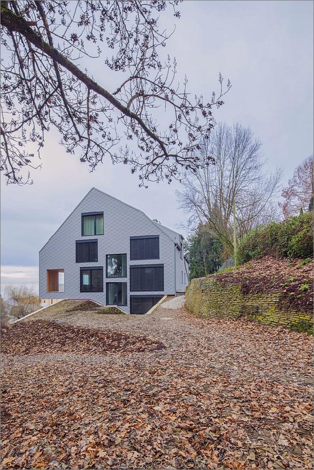 Haus-umgebaute-3-Wohnungen-einschließlich-Penthouse-Suite-3-exterior.jpg