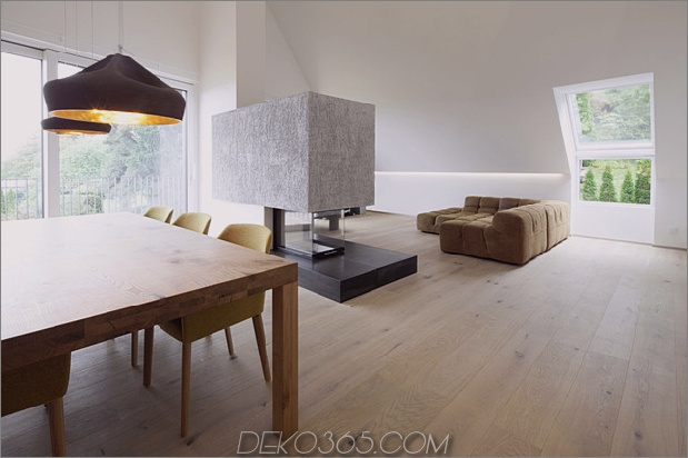 Haus-umgebaute-3-Apartments-einschließlich-Penthouse-Suite-9-dining.jpg