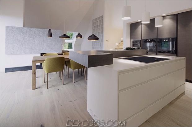 Haus-umgebaute-3-Wohnungen-einschließlich-Penthouse-Suite-11-Küche.jpg