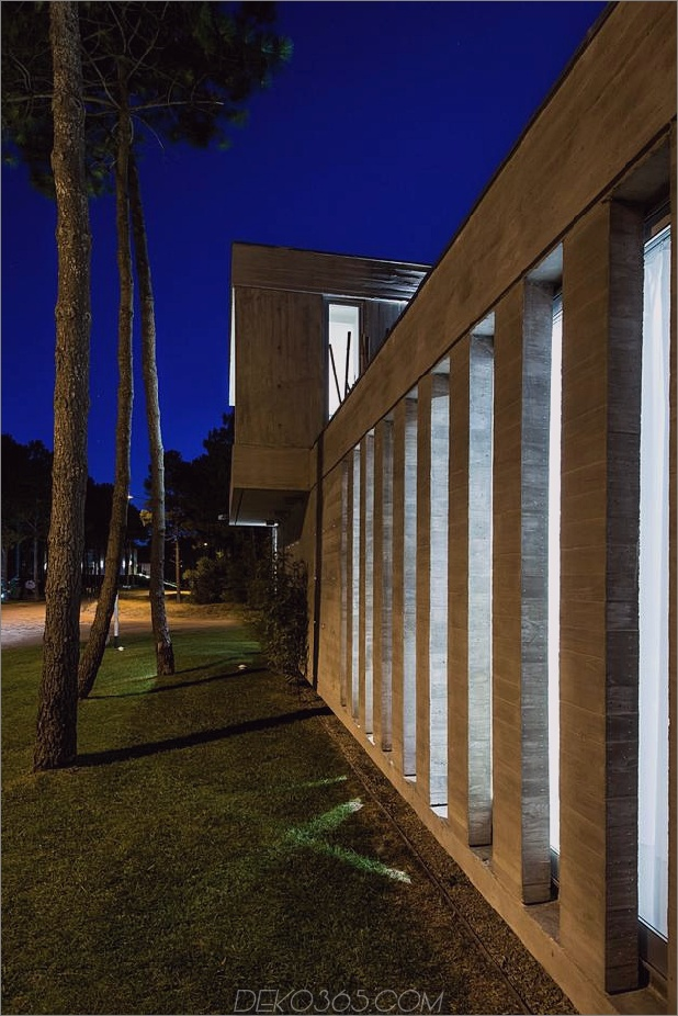 Haus-Fokus-Tag-Nacht-Beleuchtung-8-Beton-Bars.jpg