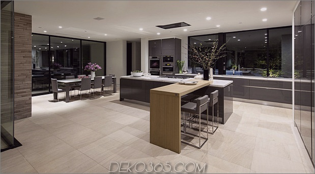 home-glass-screen-water-features-einganghof-14-kitchen.jpg