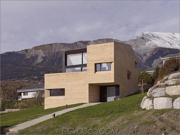 Hanghaus-mit-Holz-Look-Beton-Belag-7-Berg-Rechts-Winkel.jpg
