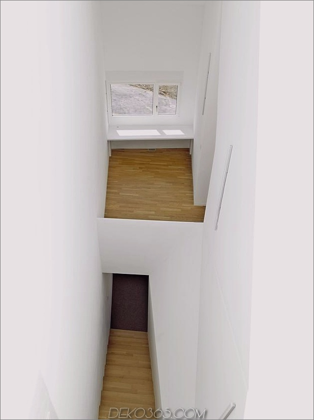 Hanghaus-mit-Holz-Look-Beton-Abdeckung-14-Eingang.jpg
