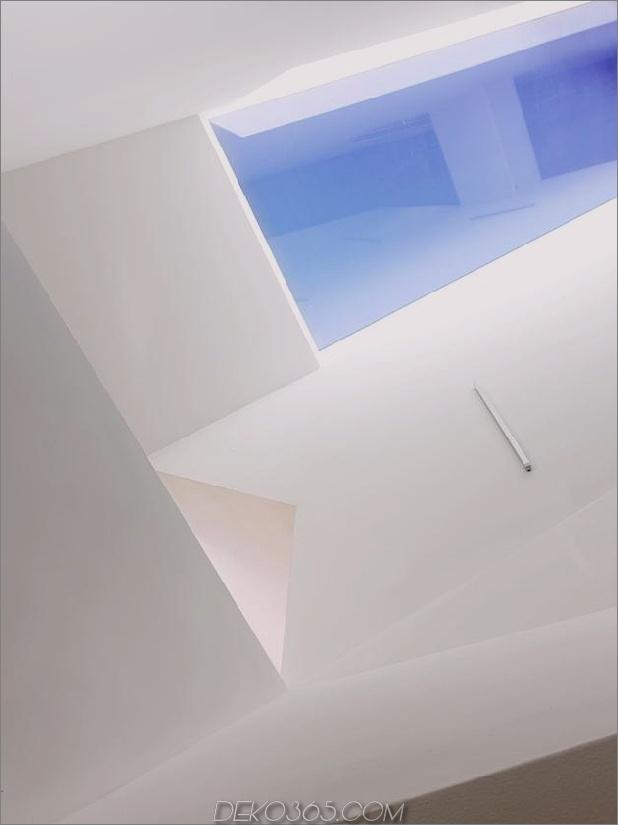 Hanghaus-mit-Holz-Look-Beton-Abdeckung-15-Decke.jpg