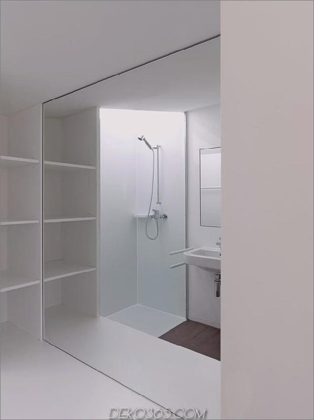 Hanghaus-mit-Holz-Look-Beton-Verkleidung-24-Bad.jpg