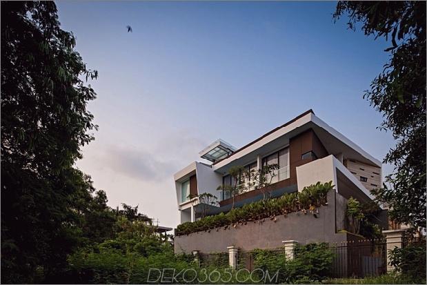 4-Flur-Glasböden-Decken-Haus.jpg