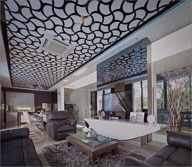 8-Flur-Glasböden-Decken-Haus.jpg