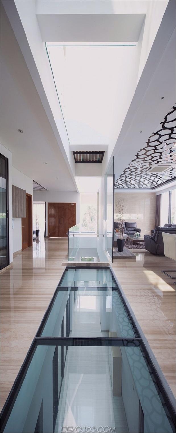 10-Flur-Glasböden-Decken-Haus.jpg