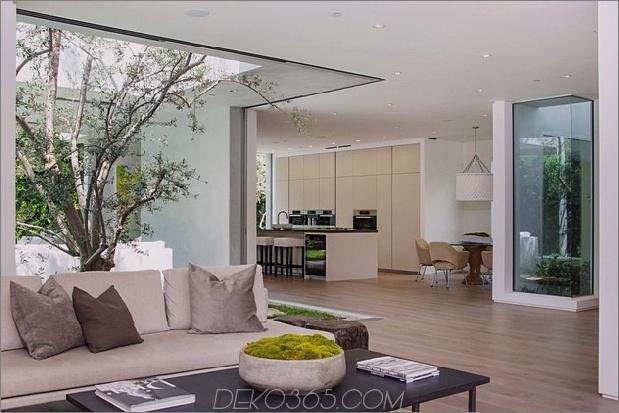 Haus mit mehrstufigen Decks umgeben von Gärten_5c598d7c4e8c8.jpg
