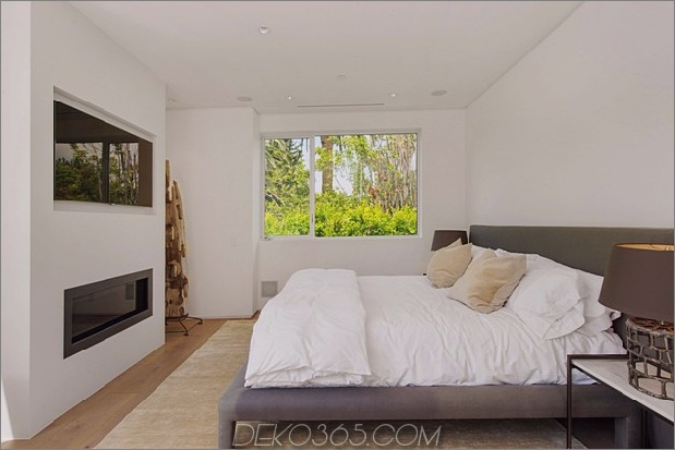 Haus mit mehrstufigen Decks umgeben von Gärten_5c598d86b8f87.jpg