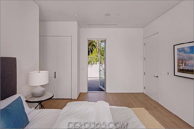 Haus mit mehrstufigen Decks umgeben von Gärten_5c598d87c7d5e.jpg