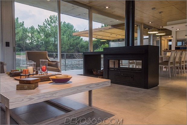 home-outdoor-kitchen-pool-stone-plinth-14-living.jpg
