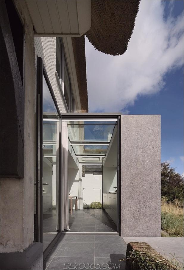 Haus-mit-Stroh-Dach-5-Addition-Seite.jpg