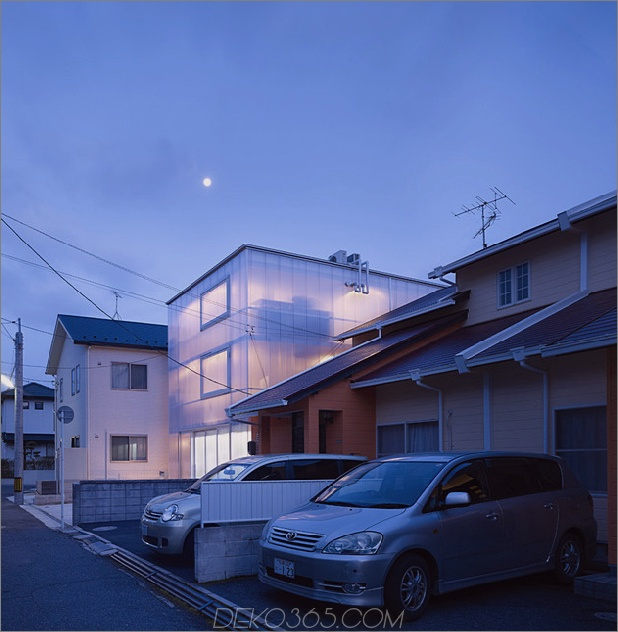 leuchtendes Haus mit durchscheinenden Wänden und minimalistischem Design thumb 630x643 29400 Haus mit durchscheinenden Wänden und minimalistischem Design