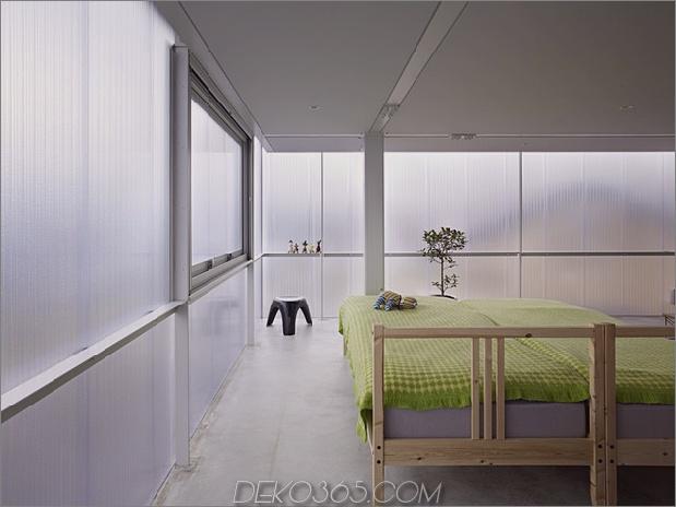 leuchthaus-mit-transluzent-wände-und-minimalistisches design-14.jpg