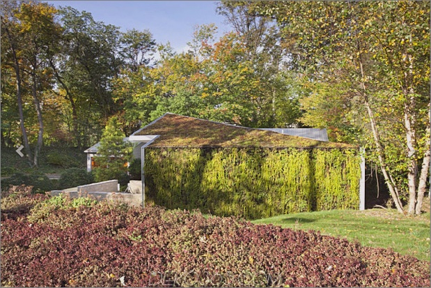 Gartenhaus mit üppiger begrünter Fassade 2 thumb 630xauto 34487 Haus mit vertikaler Gartenfassade