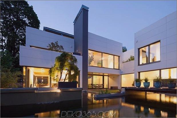comtemporary-urban-house-with-timber-innerstruktur-4-pool.jpg