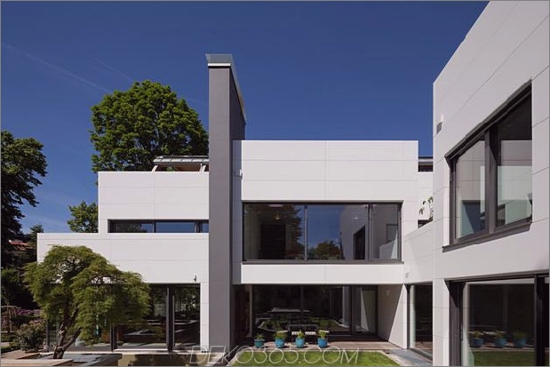 comtemporary-urban-house-with-timber-innerstruktur-8-straight-day.jpg