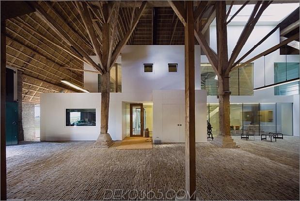historische-holländische-Farm-Gebäude-Hide-Modern-Homes-10-unter-Scheune-Dach.jpg