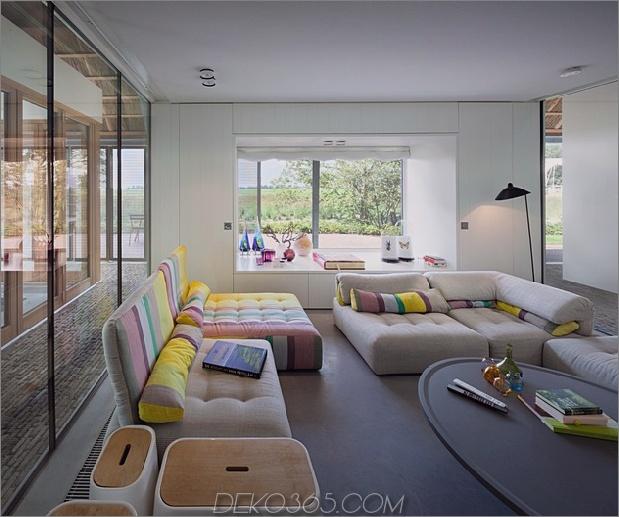 historische-niederländische-Farm-Gebäude-Hide-Modern-Homes-13-living-room.jpg