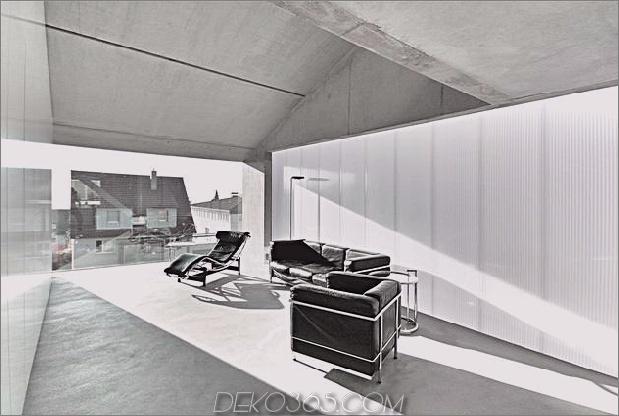 hoch-minimalistisch-Hanghaus-aus-Beton-7-Wohnzimmer.jpg gebaut