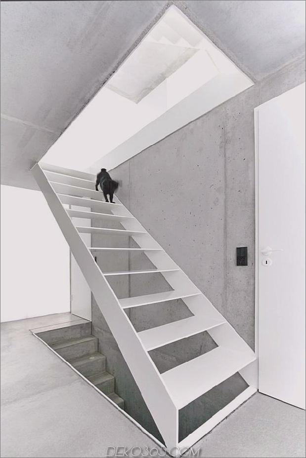 hoch-minimalistisch-Hanghaus-aus-Beton-13-Top-Treppen gebaut.jpg