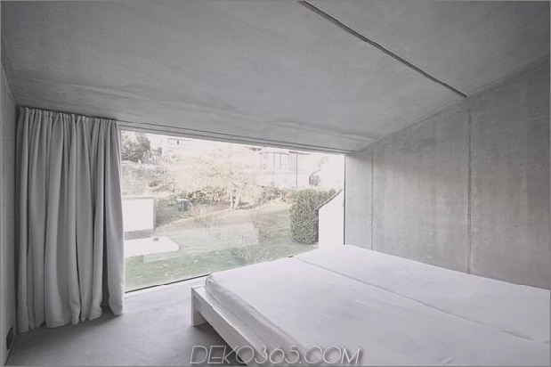 hoch-minimalistisch-Hanghaus-aus-Beton-14-bedroom.jpg gebaut