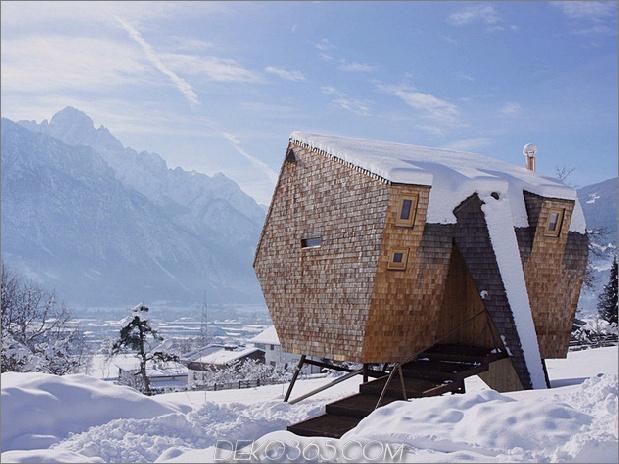 Österreichisches Berghaus mit Schuppen und abgeschrägten Wänden 1 thumb 630x472 29089 Österreichisches Berghaus mit Schuppen und abgeschrägten Wänden