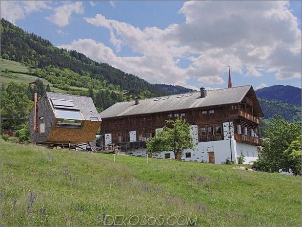 Holz schuppte österreichisches Gebirgshaus mit geneigten Wänden_5c59acaa05d58.jpg