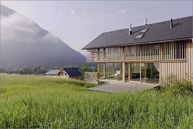 Holz-und-Glas-Berg-Haus-mit-Trio-Terrassen-3.jpg