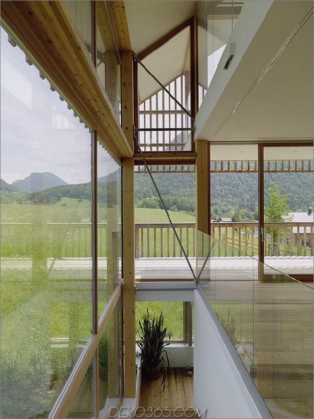 Holz-und-Glas-Berg-Haus-mit-Trio-Terrassen-6.jpg