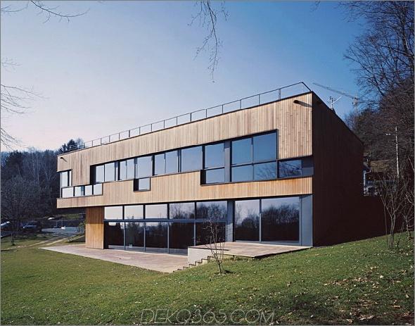house k 3lhd 1 Holz- und Glashaus in Kroatien Zentrales Atrium mit Wendeltreppe