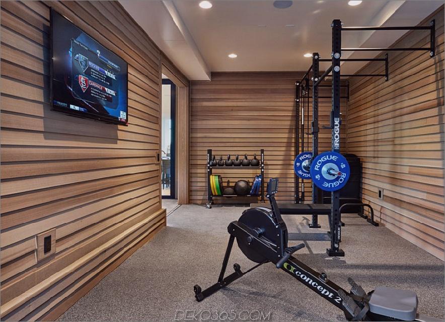 Fitnessstudio mit Holz verkleidet